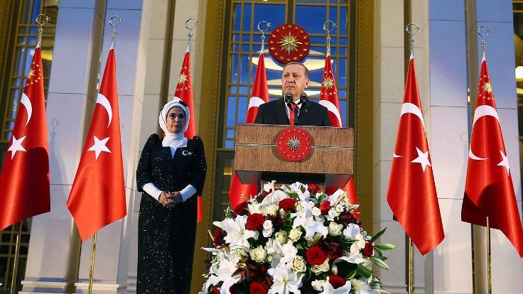 Cumhurbaşkanı Erdoğan: Müttefikkimizin silahları DEAŞ'ın elinden çıkıyor