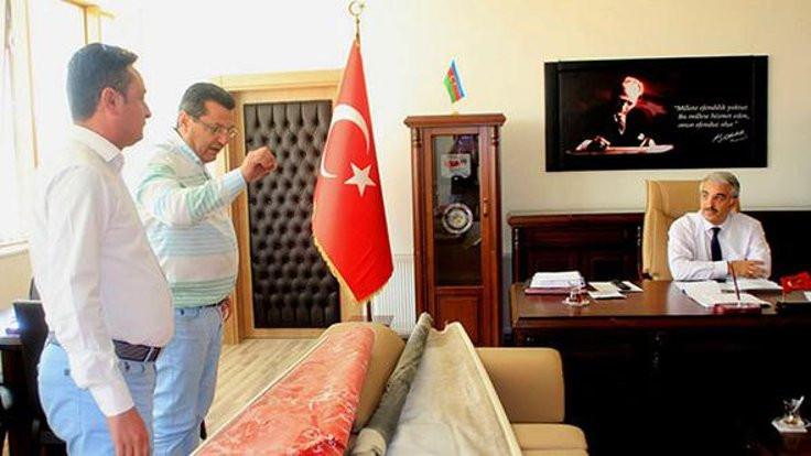 'Bayrağı ve Atatürk'ü unutmuşsunuz!'