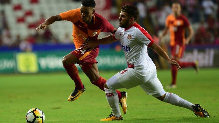 Galatasaray Antalya'da 1 puana razı oldu