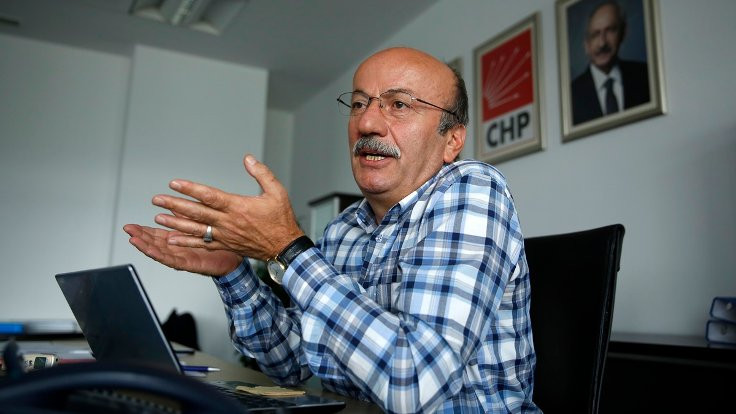 Bekaroğlu, 12 Eylül dönemini anlattı: Tek tip elbiseye direnişi hipnozla kırmamızı istediler