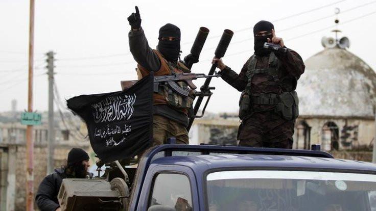 İdlib'de ne oluyor, TSK sınırı geçti mi?