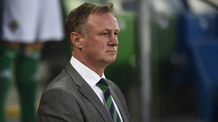 Kuzey İrlanda teknik direktörü tutuklandı