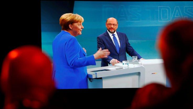 Merkel ve Schulz hemfikir: Müzakereler bitmeli