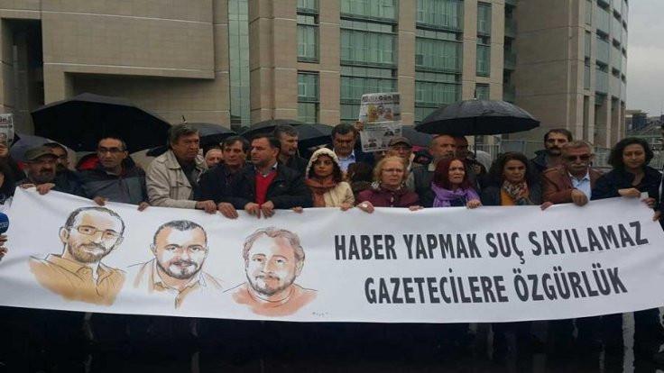 Gazeteci Ömer Çelik tahliye edildi