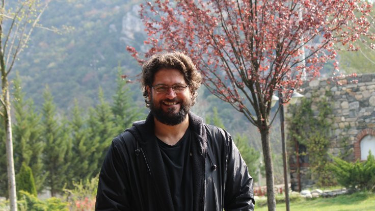 KHK'li akademisyen YouTube'da ders anlatıyor