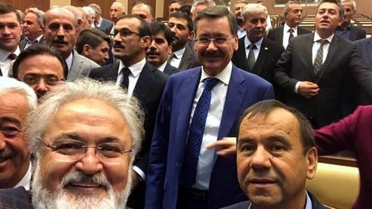 Gökçek, AK Partili Meclis üyeleri ile vedalaştı