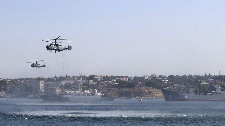 Rus helikopteri denize düştü