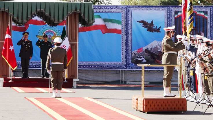 Akar, İran genelkurmayıyla referandumu görüştü