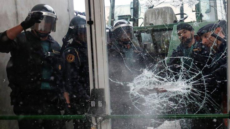 Katalan lider: İspanyol polisi Katalonya'dan çıksın