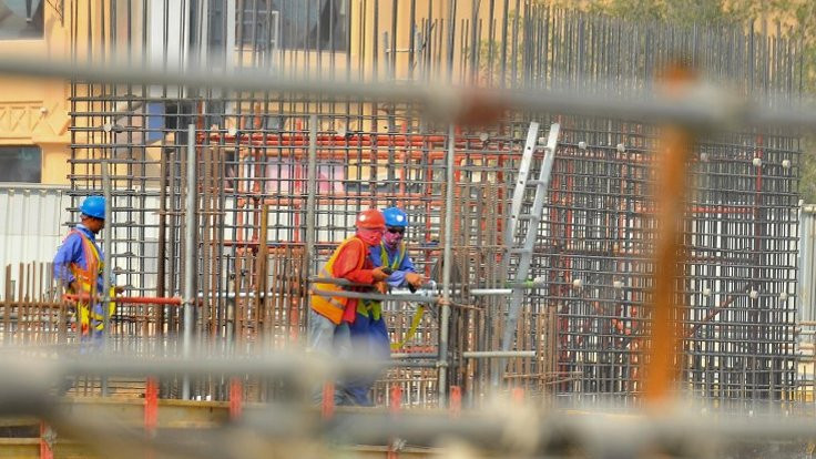 Katar asgari ücrete geçiyor