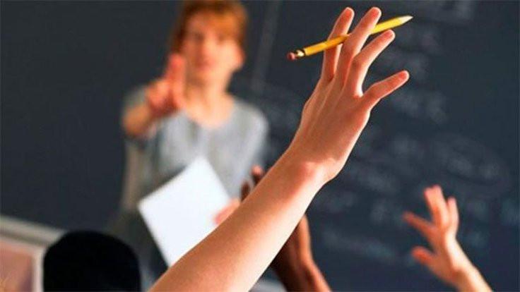 Sözleşmeli öğretmen kararnameyle işten atılıyor