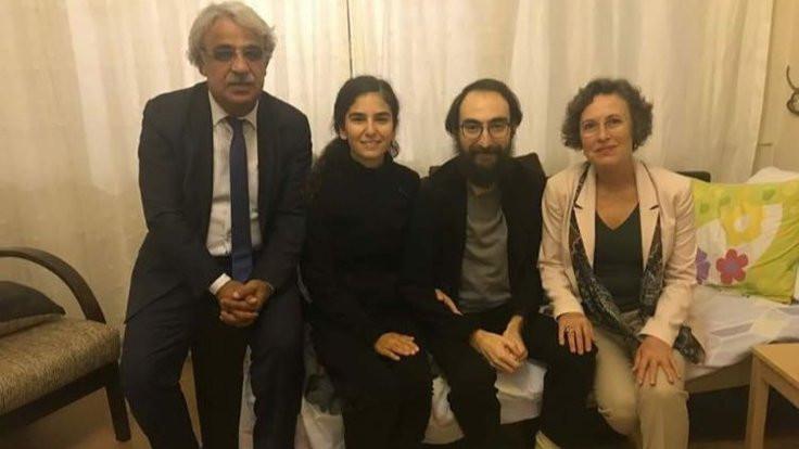 Mithat Sancar ve Filiz Kerestecioğlu, Semih Özakça'yı ziyaret etti