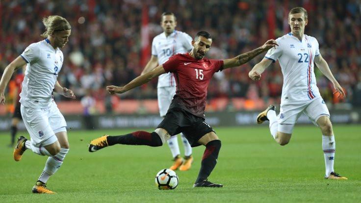 Duvar yazarları Türkiye maçını değerlendirdi