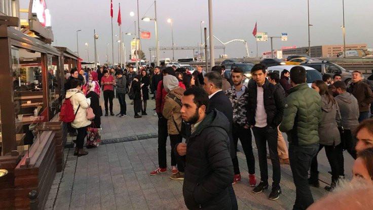 Boşaltılan AVM'de 8 kişi gözaltına alındı