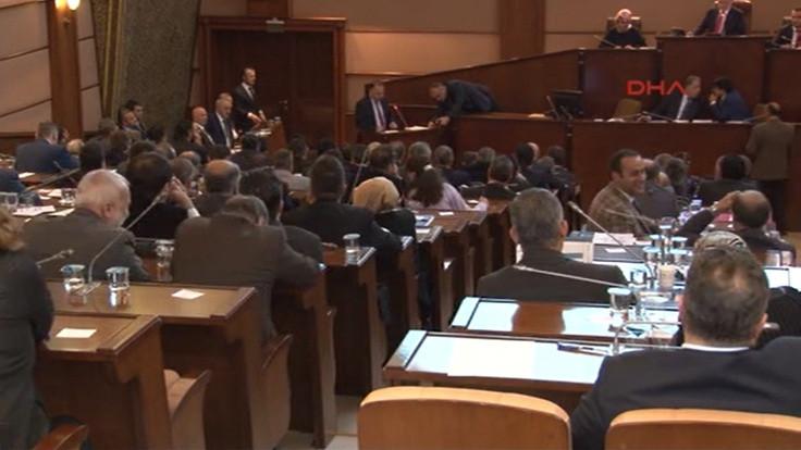 CHP'li üyeler belediye meclisini terk etti