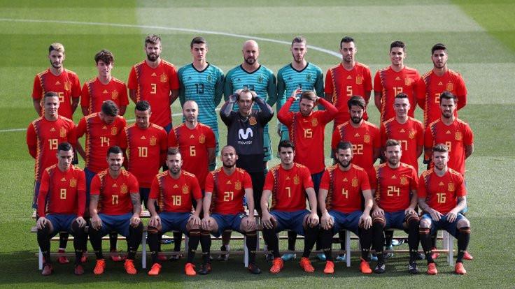 Yeni İspanya forması tartışma yarattı