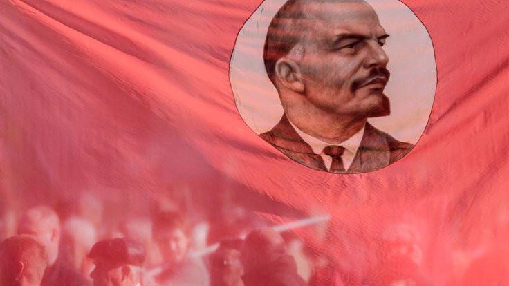 Sovyet Devrimi'nin serüveni üzerine...