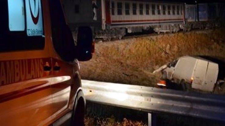 Muş'ta tren, minibüse çarptı: 2 ölü, 2 yaralı