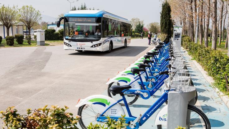 İzmir'de toplu taşıma 'elektrikleniyor'
