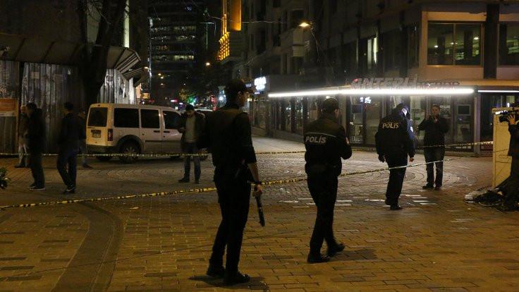 Gezi eylemine palayla saldıran kişi çatışmada yaralandı