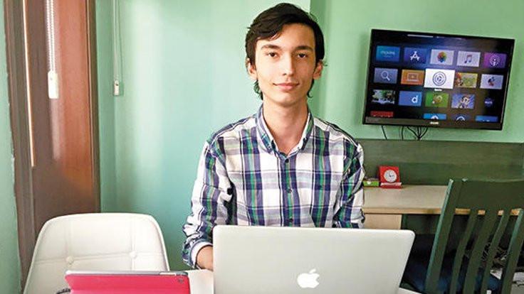 16 yaşındaki Yiğitcan Siri'de açık buldu
