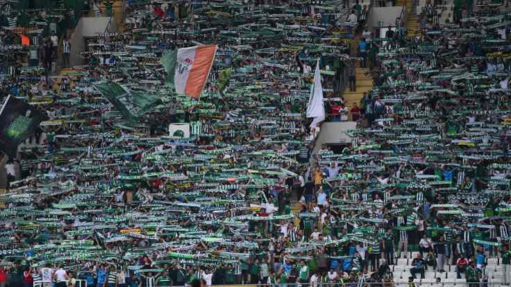 Fener maçı öncesinde Bursa tribününde kriz