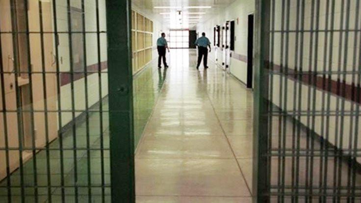 'Cezaevinde HIV bulaştı' iddiası