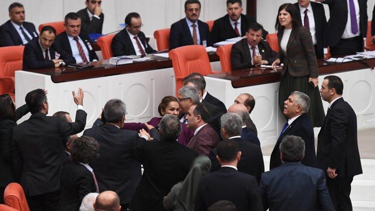 AK Partili İnceöz, Paylan'ın üzerine yürüdü