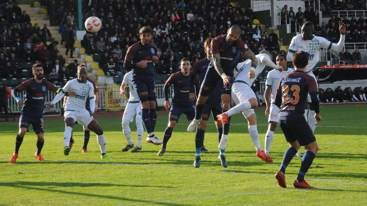 Akın Çorap Giresunspor: 3 - Medipol Başakşehir: 1