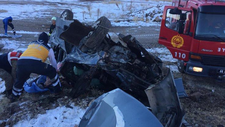 Buzlu yolda kaza: 1 ölü