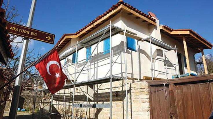 Atatürk'ün karargahını yanlış mantoladılar