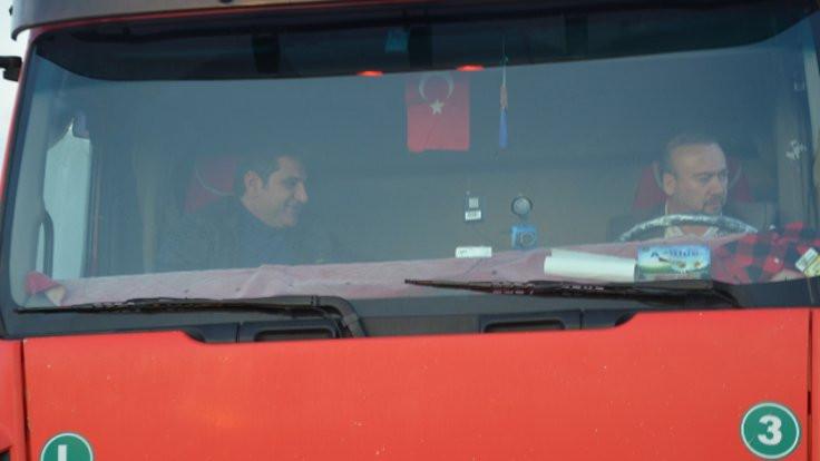 CHP'li Erdoğdu ve Yalım TIR'la Ankara'ya gidiyor
