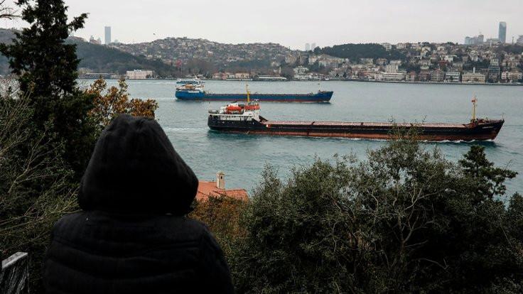 Yenikapı'da iki gemi çarpıştı