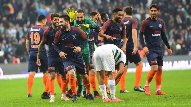 Başakşehir kazandı, Arda Turan golle döndü