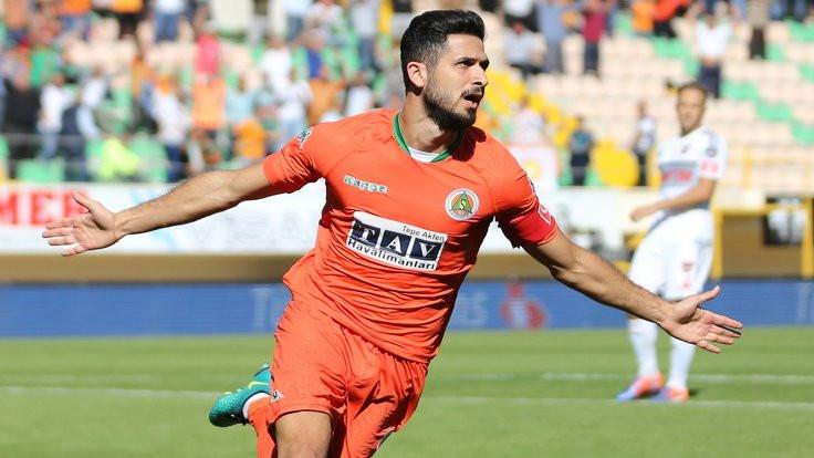 Emre Akbaba Başakşehir'e transfer oldu