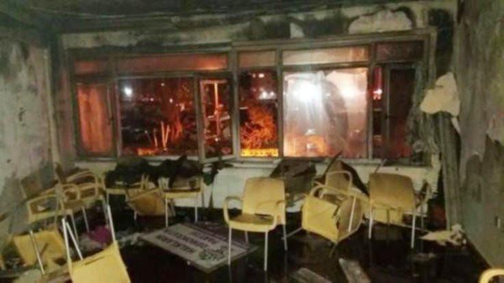 HDP ilçe binası yakıldı: 11 gözaltı serbest