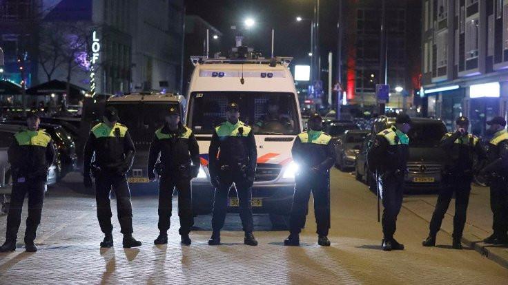 Amsterdam'da silahlı saldırı: 1 kişi hayatını kaybetti
