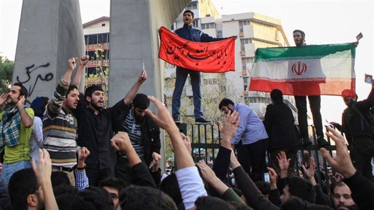 İran'dan 'devrim' çıkmaz