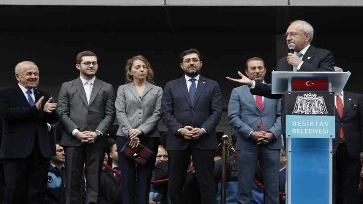 'Hakkari'ye asfaltı Beşiktaş Belediyesi yaptı'