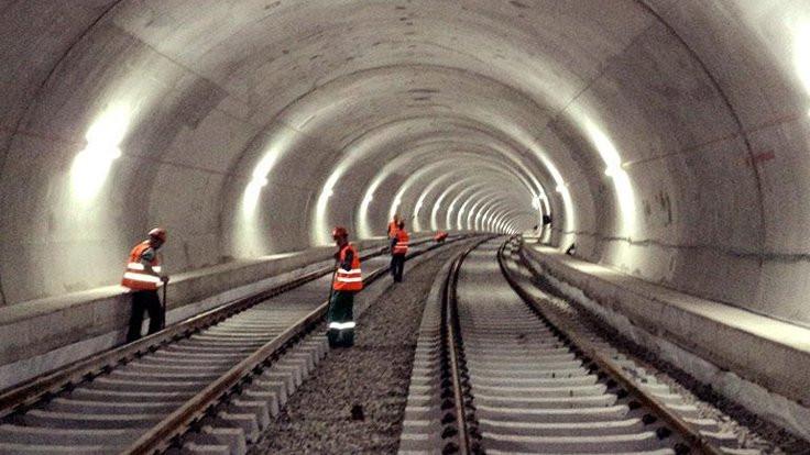 İBB: Metro projeleri değil, ihaleleri iptal edildi