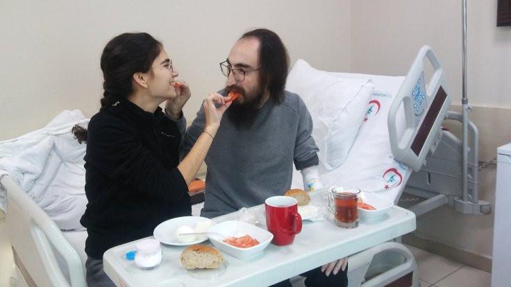 Semih Özakça'dan yemek fotoğrafı: İlk lokma sevdanın payına