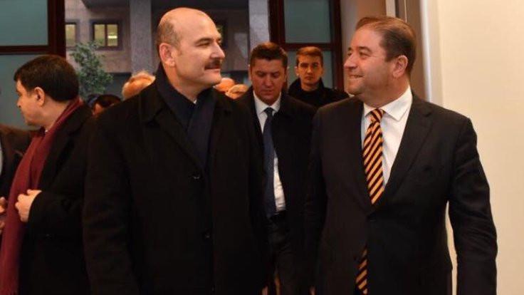 CHP'li başkandan Süleyman Soylu ile poz