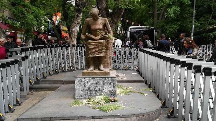 İnsan Hakları Anıtı'na 'özgürlük' başvurusu