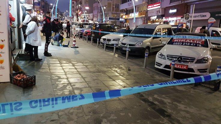 Zeytinburnu'nda silahlı saldırı: 3 kişi yaralandı