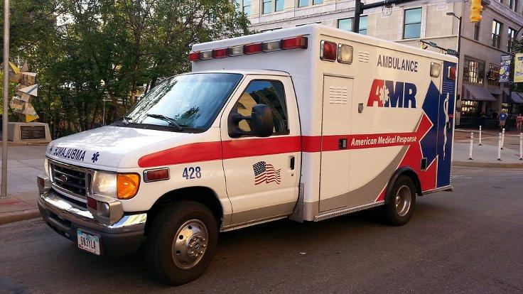 ABD'de üsse şüpheli zarf: 11 kişi rahatsızlandı