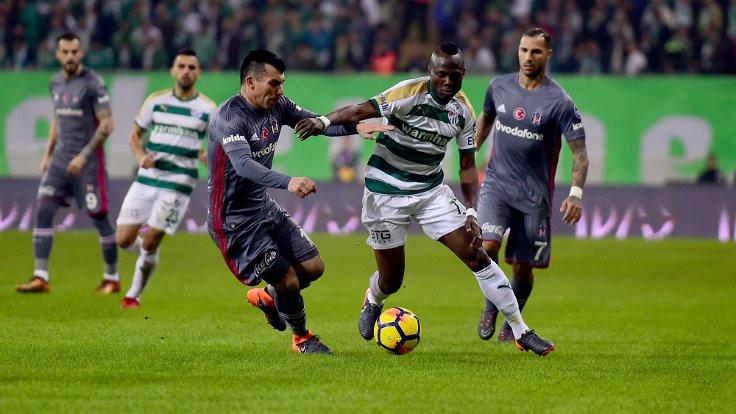 Beşiktaş, 1 puanı 90+2'de kurtardı