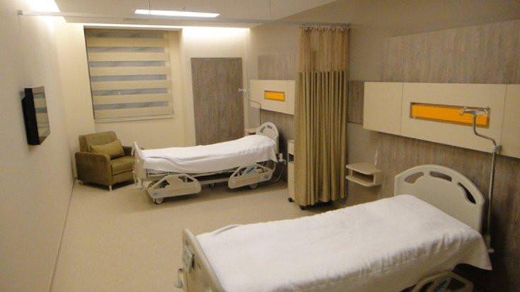 Hasta odasında duş iddiasına inceleme
