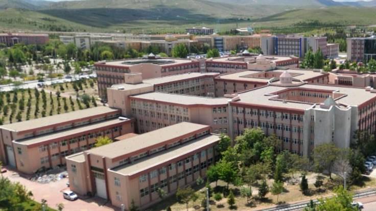 Üniversitede tacize suç duyurusu