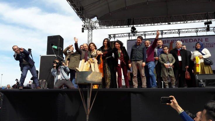 İstanbul, Ankara ve İzmir'de Newroz kutlaması