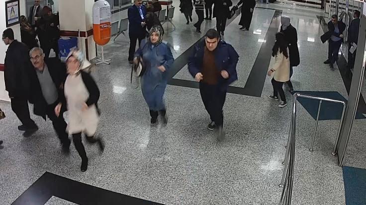 Hastanede düşen hastayı canlı bomba sandılar